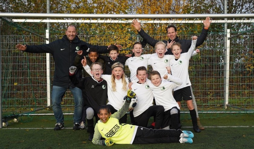 De JO12-2 van Be Fair (op de foto) en de JO11-1 van ASW hadden partytime.