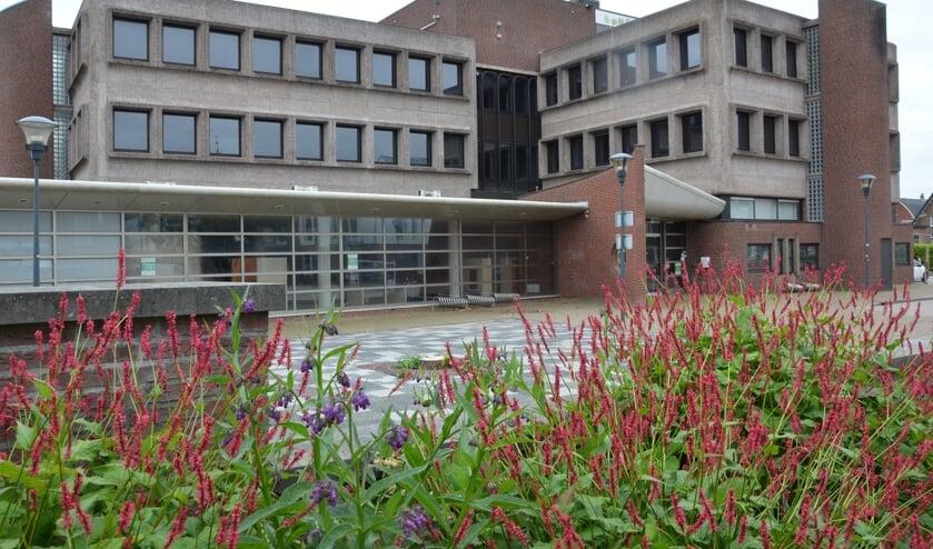 Het voormalige gemeentehuis van Waddinxveen. (foto: Nicole Lamers)