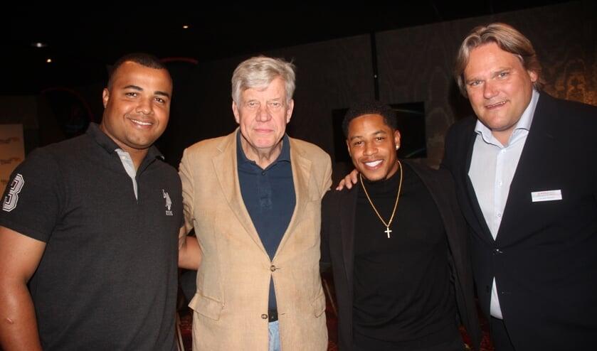 Oranje-werper Diego Markwell, ambassadeur Ivo Opstelten, international Dwayne Kemp en toernooidirecteur Jan Dirk Stouten.