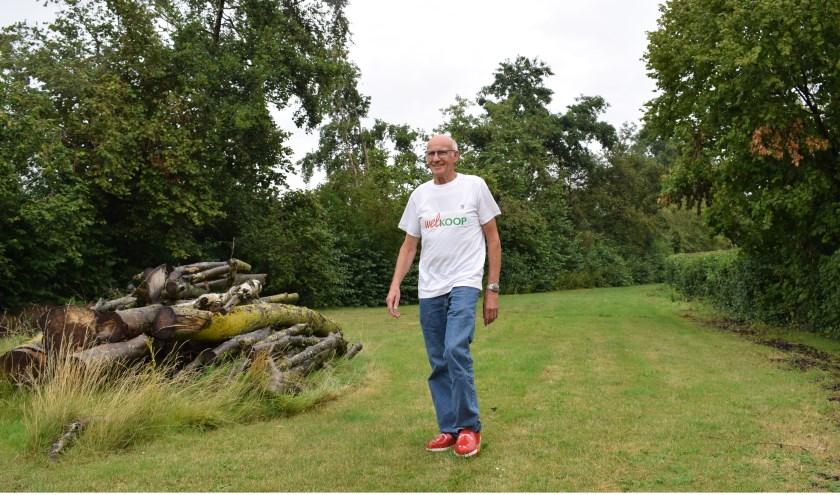 Klompenlooporganisator Huib Moerman loopt al sinds zijn vijfde op klompen. (foto en tekst: Myriam Dijck)