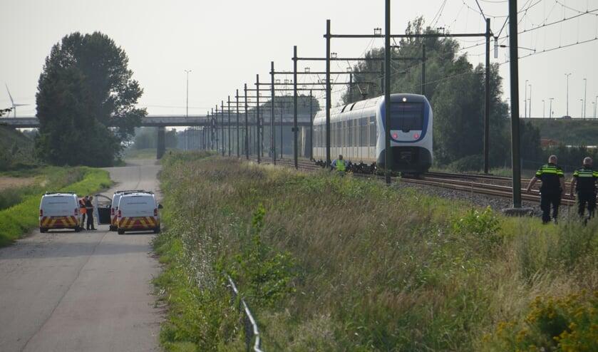 <p>De trein rijdt langs Zevenhuizen. Een station is geen optie.</p>