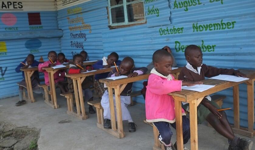 Het huidige schooltje in Kenia. (foto: Peter de Hoog)