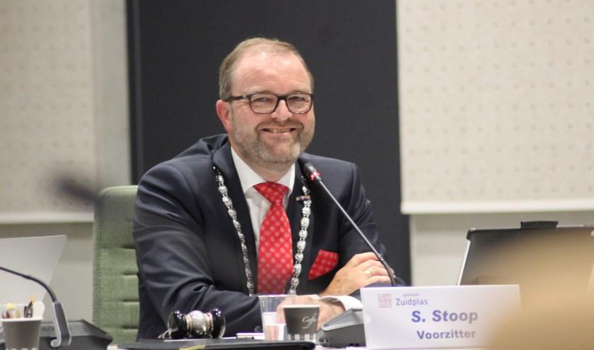 Burgemeester Stoop toonde zich een man met humor.