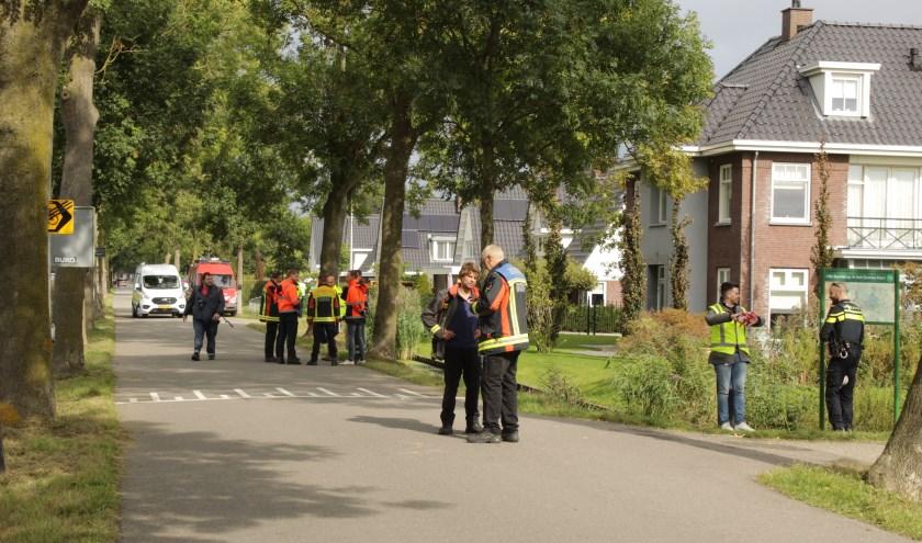 Bij graafwerkzaamheden aan de Plasweg werd een hoofdgasleiding geraakt. (foto: AS Media)