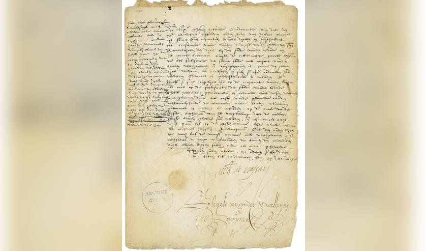 Naast archiefstukken over bijvoorbeeld stadsbestuur, passeren ook Middeleeuwse literaire en wetenschappelijke teksten de revue.