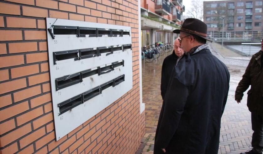 Burgemeester Han Weber kwalificeerde de vernielingen als 'waanzin'. (foto en tekst: Erik van Leeuwen)