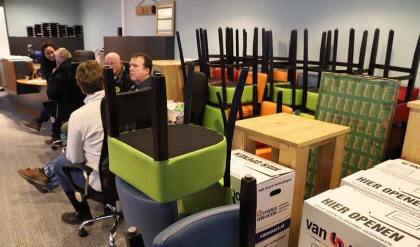 Het Bruisnest is al druk de dozen aan het inpakken.