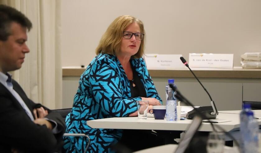 <p>Wethouder Brigitte Leferink gaat over duurzaamheid in Waddinxveen.</p>