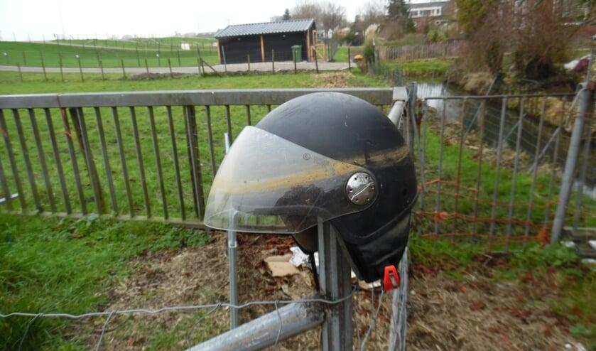 De helm is uit het water gevist.