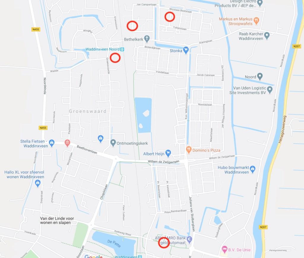 De plaatsen waar de autobranden afgelopen nacht waren.   © HvH Waddinxveen