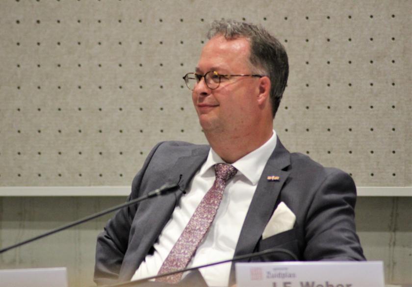 Burgemeester Weber staat met 27 raadsleden, vier wethouders en ondersteuning op 19 mei een klus te wachten.