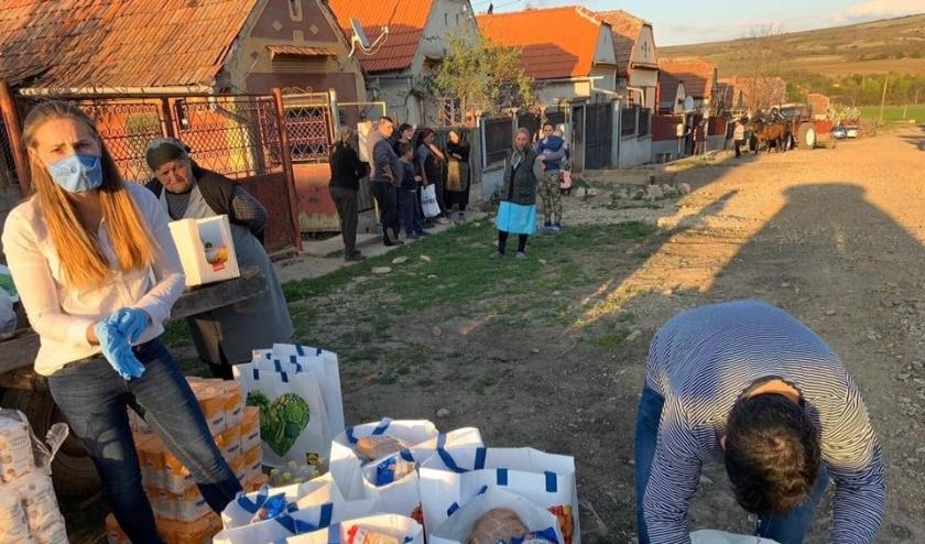 Via sponsoring helpt SKR arme Roemeense gezinnen in quarantaine.