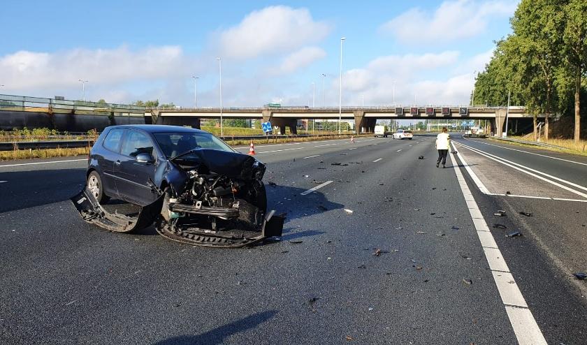 Het regende boetes bij een ongeval op de A12 wegens het massaal negeren van het rode kruis boven de weg.
