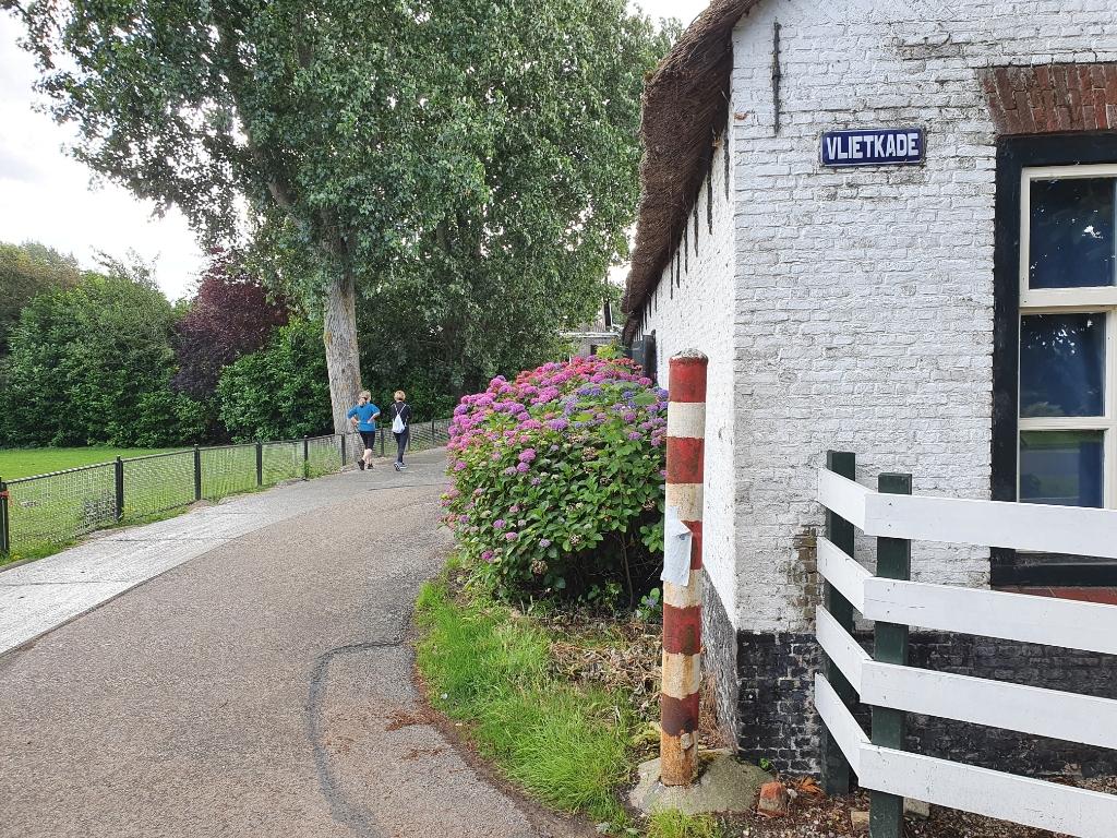 Het begin van onze vierdaagse: de Vlietkade in Oud Verlaat. Foto: Judith Rikken © HvH Zuidplas