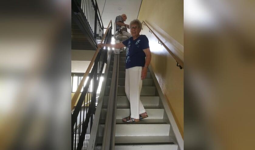 Ina van Woudenberg (85) en echtgenoot Gert (87) pleiten voor een nieuwe lift aan de Peter Zuidlaan.