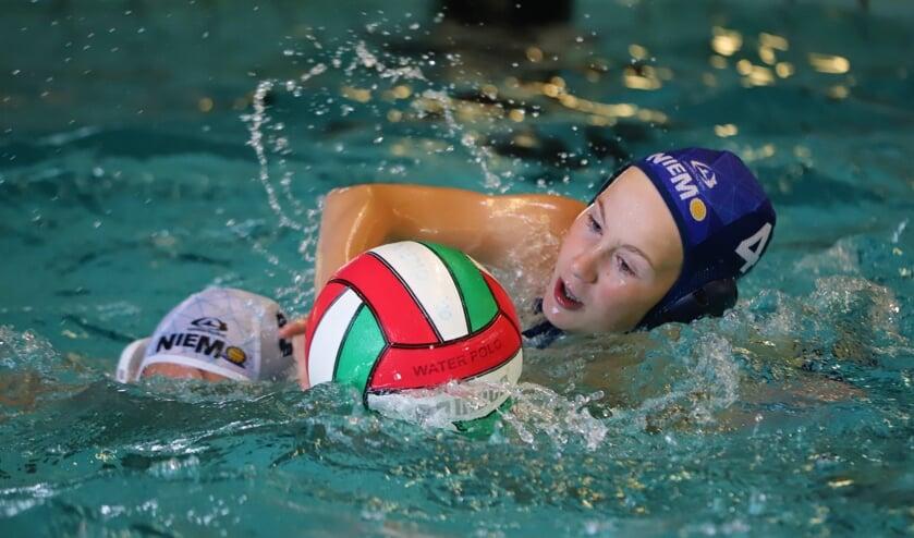 Speelt de jeugd van Niemo Barracuda in de toekomst in een regionaal zwembad in het Vijfde Dorp?