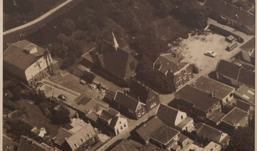 Luchtfoto uit 1975 uit collectie Oude Zevenhuizen-Moerkapelle
