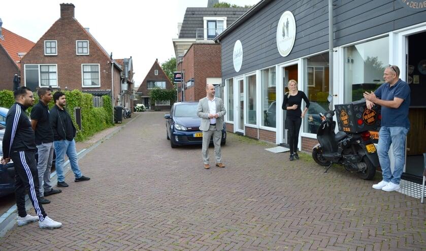 <p>Nieuwe kleine bedrijvigheid in de steeg aan de Dorpsstraat.</p>