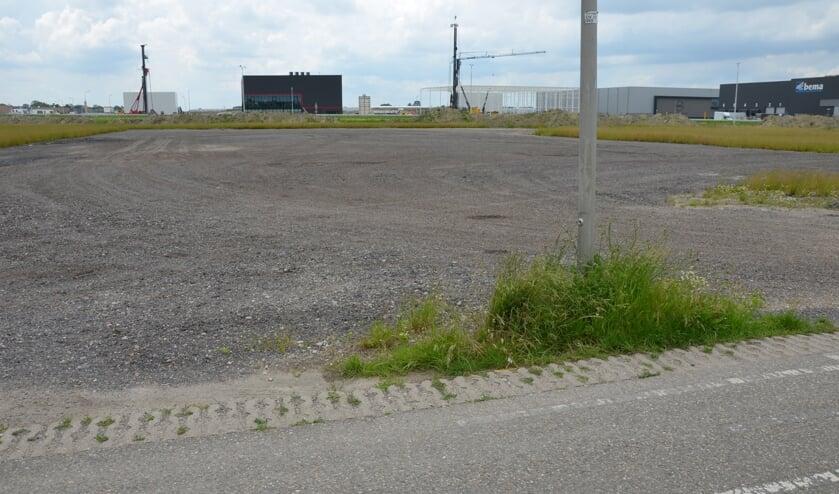 <p>Het is al maanden stil op de plek waar de bmc moet komen, aan de Zesde Tochtweg.</p>