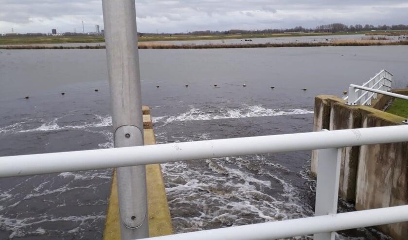 <p>Sinds 2012 stroomde water vanuit de Rotte vijf keer de Eendragtspolder in.&nbsp;</p>