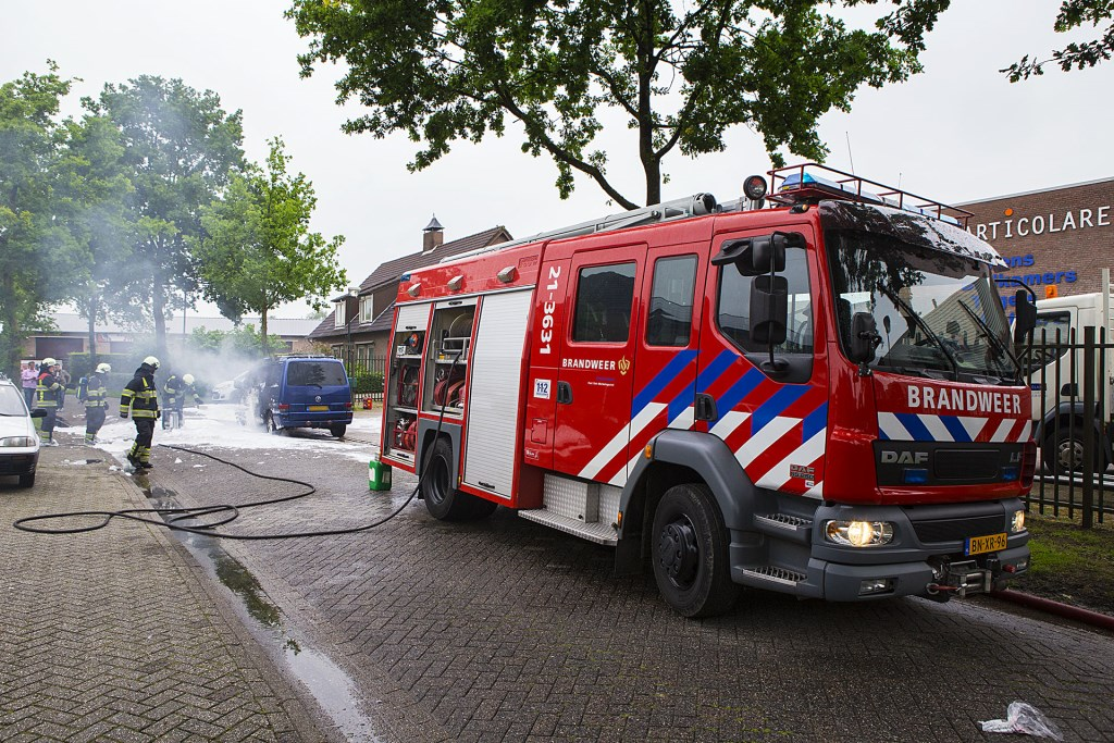 Camper in lichterlaaie op bedrijventerrein in Sint-Michielsgestel   © MooiBoxtel