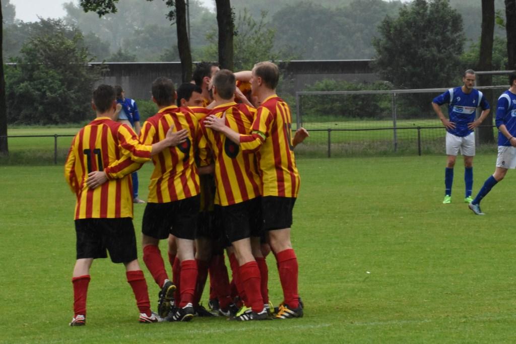 1-0 wordt gevierd  © MooiBoxtel