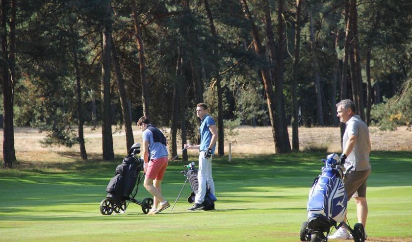 De jongste deelnemers, met in het midden winnaar Felix Hazenberg.     Fotonummer: ca0181