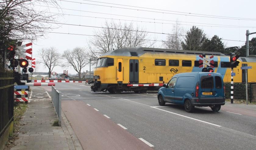 De voorgenomen sluiting van de dubbele spoorwegovergang op Tongeren houdt de gemoederen al jaren bezig.   | Fotonummer: c75cce