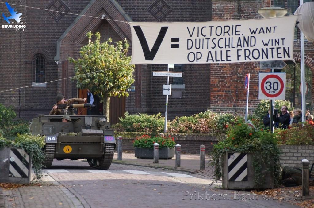 75 jaar bevrijding Esch - (Her)beleving De bevrijding van Esch (rondom Marktplein) Foto: Edwin Diependaal © MooiBoxtel