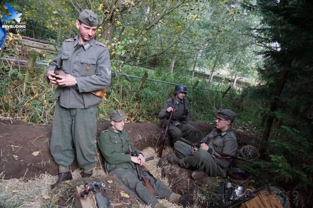 75 jaar bevrijding Esch - Het Kampement (nabij 't Haventje) Foto: Edwin Diependaal © MooiBoxtel