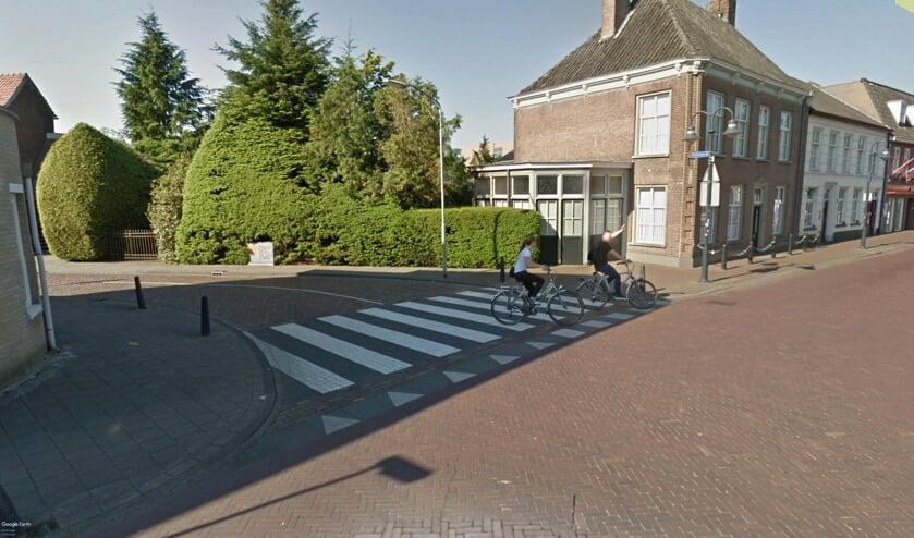 De kruising moet nog dit jaar afgesloten worden voor autoverkeer.   | Fotonummer: e368f7