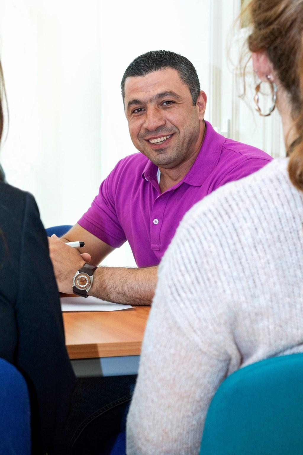 Anas Zaeter is vrijwillig Tolk voor nieuwkomers uit Syrië en één van de gezichten van de campagne. Foto: Jolanda van Iersel © MooiBoxtel