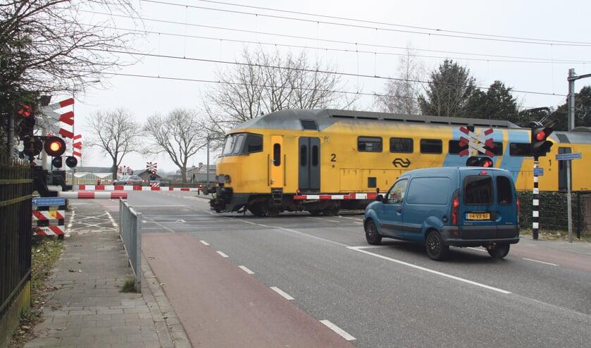 Het ziet er niet naar uit dat de dubbele spoorwegovergang vóór 2022 gesloten wordt.   | Fotonummer: 7cadcb