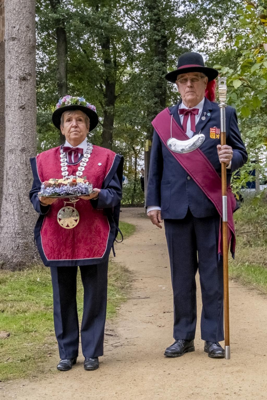 Gildekoning Hilde van den Broek en hoofdman Guus Eltink. Foto: Peter de Koning © MooiBoxtel