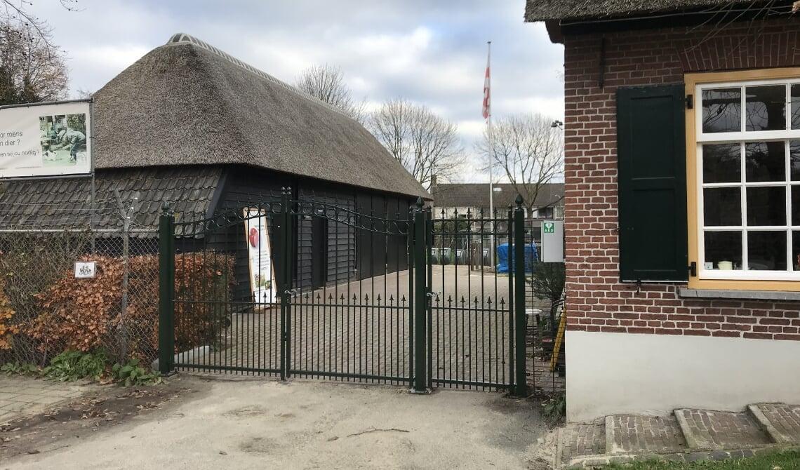 <p>De nieuwe toegangspoort van de Kinderboerderij. (Foto: Kinderboerderij Boxtel)</p>