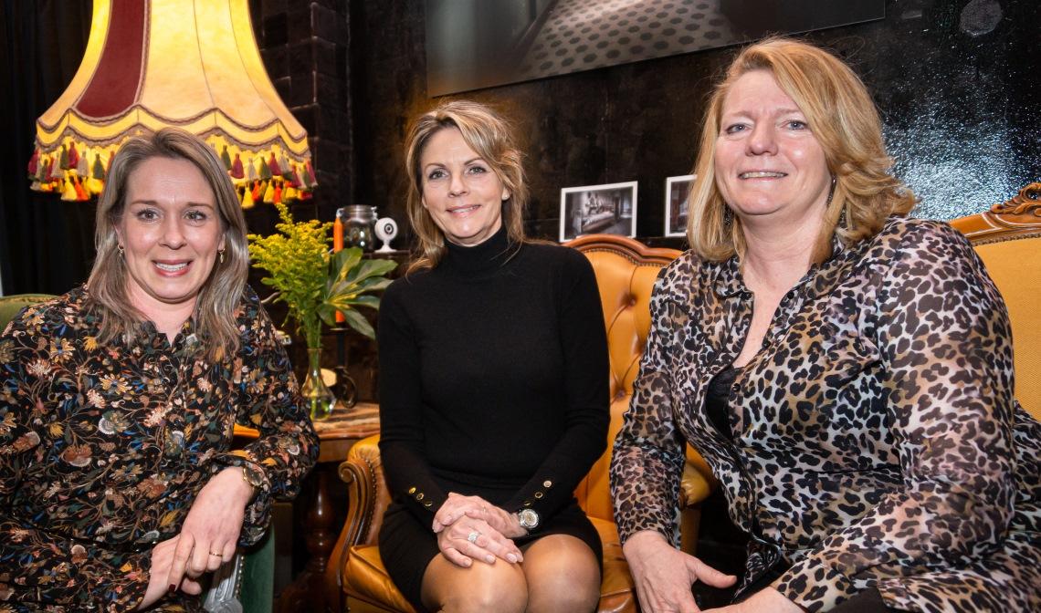 Danielle Pennings-Bekers (l.), Wesselina Boeren-Van der Schoot (m.) en Sandra Broos vormen het nieuwe bestuur.