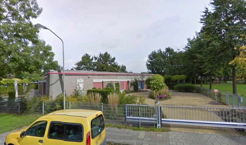 Het voormalig schoolgebouw van De Beemden moet spoedig plaats maken voor 28 appartementen.     Fotonummer: 7c361c