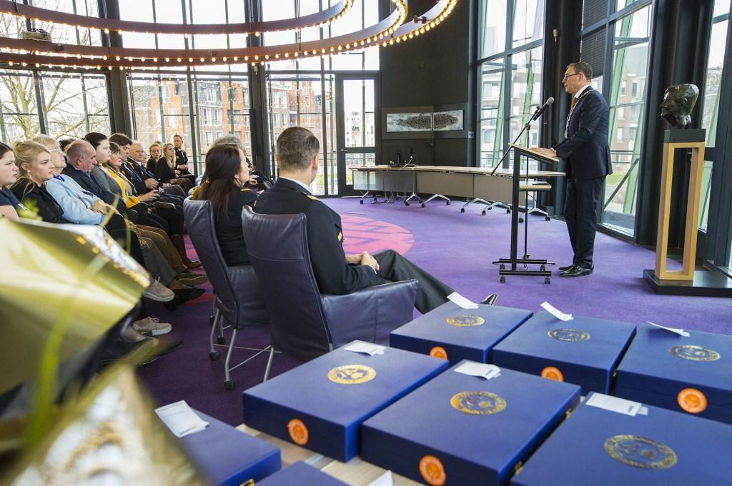 Burgemeester Van Meygaarden reikte de Koninklijke Onderscheidingen uit. Foto: Persburo Sander van Gils © MooiBoxtel