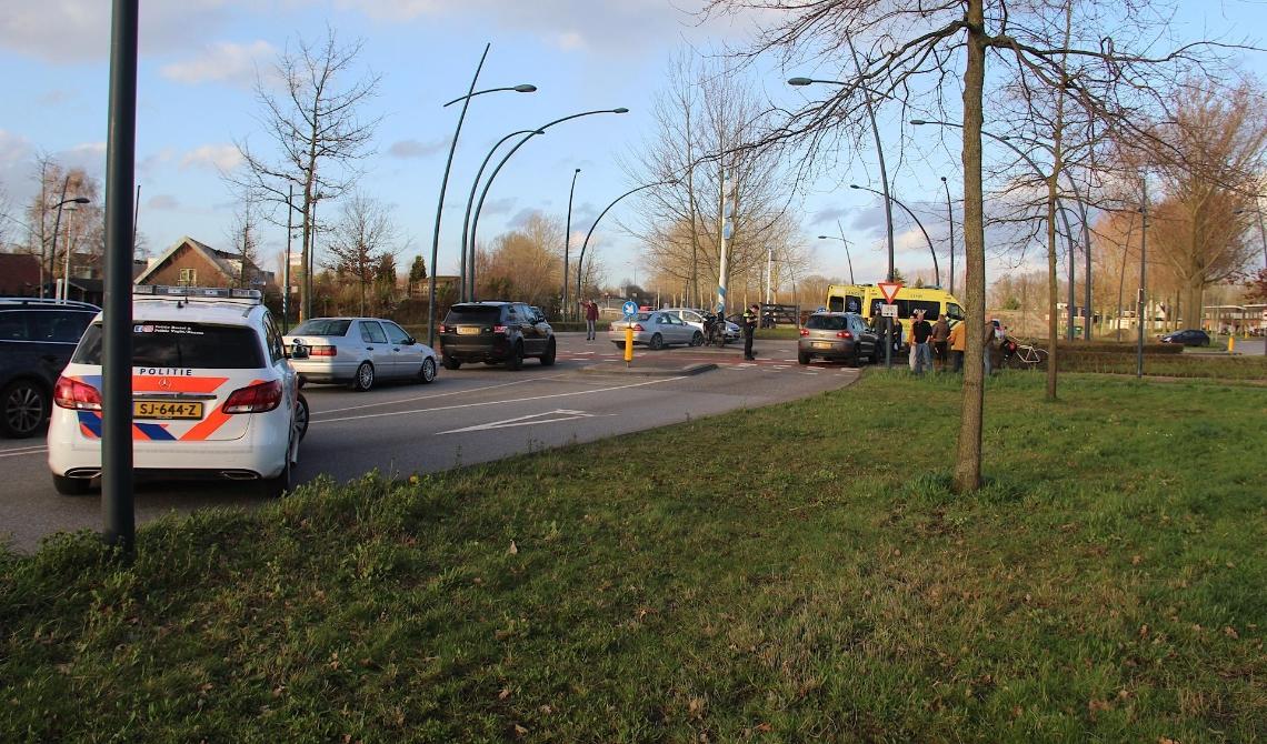 112,ongeluk,rotonde,Schijndelseweg,Boxtel,ambulance,ziekenauto,politie,botsing