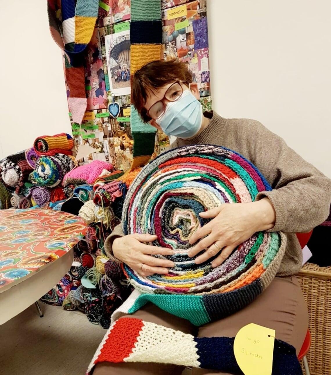 <p>Ook Hebbes-medewerker Jolanda breit enthousiast mee, zowel op het werk als thuis. (Foto: Hebbes)</p>