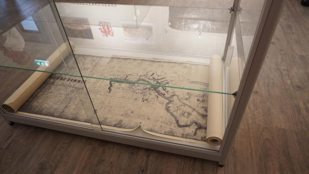 De 8 meter lange 'rol' met de kaart van de Dommel, die Margry herontdekte in het depot is ook in MUBO te zien. (Foto's: Sander van Kasteren) Foto: Sander van Kasteren © MooiBoxtel