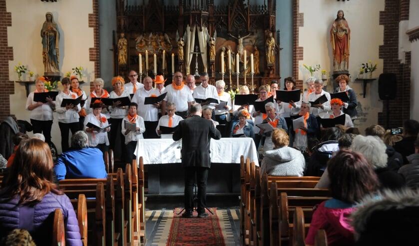 Het optreden van het Cultikoor in de rooms-katholieke kerk in Tholen.