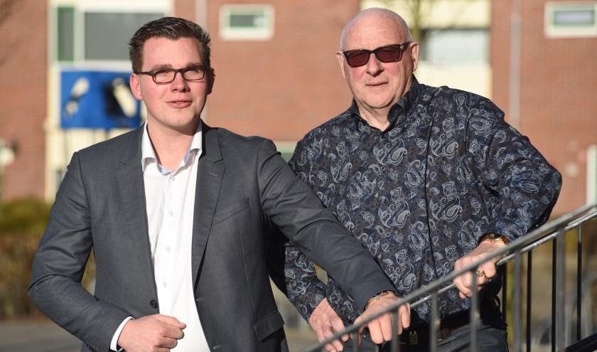 Vincent Bosch (links) met zijn mede PVV-er en opa Gerrit Bril.