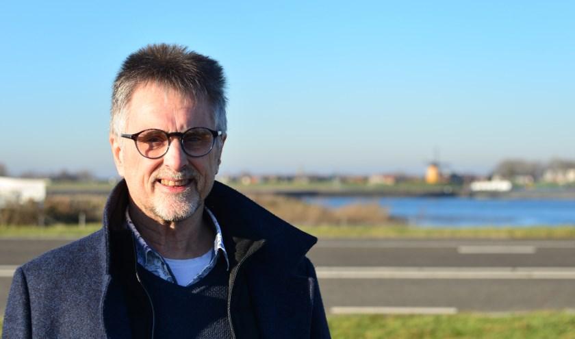 Raadslid Henk Geluk is de enige 'Fluplander' in de Thoolse gemeenteraad. Als raadslid van de voormalige gemeente Sint Philipsland stemde hij destijds tegen de herindeling.