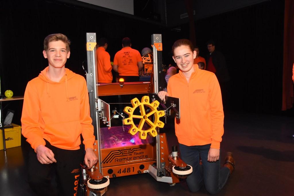 Tim (l) en Lara (r) Hulsen zijn nieuwe Rooise leden van Team Rembrandts  © MooiRooi