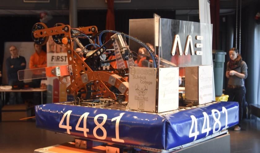 De robot van Team Rembrandts uit de competitie van 2016     Fotonummer: efc193