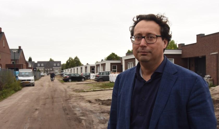 Martijn van den Berg voor onlangs opgeleverde seniorenwoningen op Heikant   | Fotonummer: 74373b