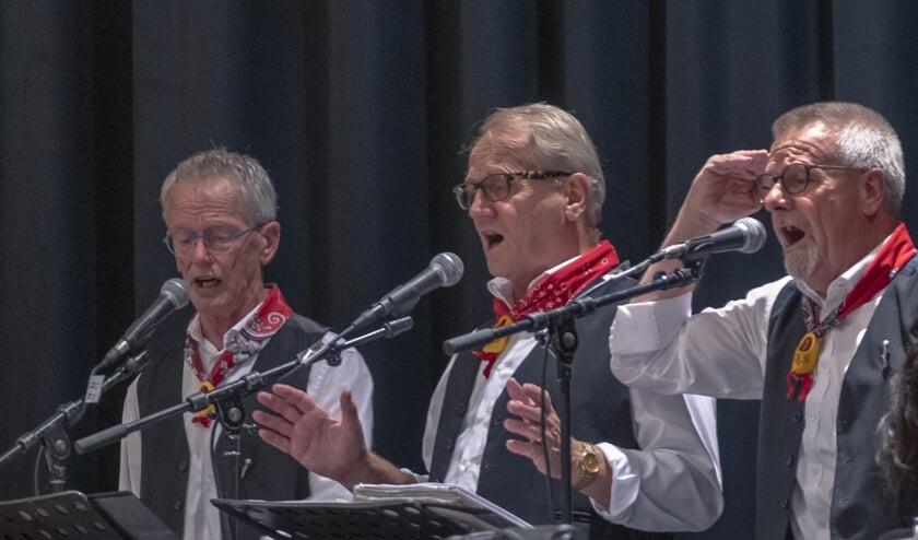 De zanggroep 't Kumt vaneiges.   | Fotonummer: 917c9d