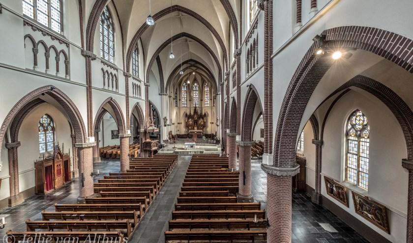 De Martinuskerk van binnen.   | Fotonummer: 010f7a