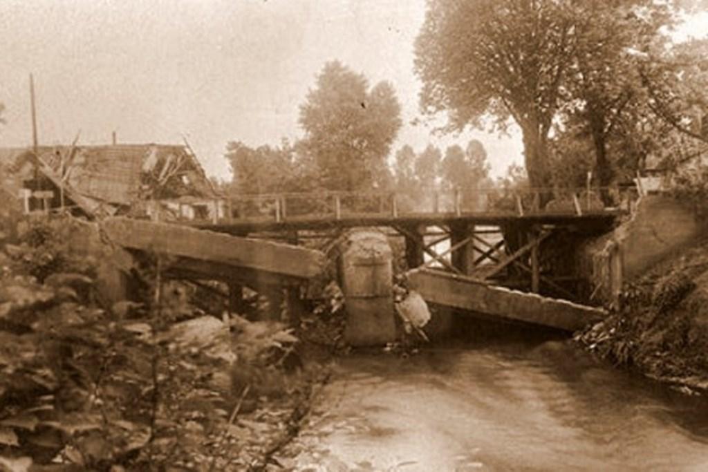 De Hambrug nadat hij is opgeblazen.  © MooiRooi